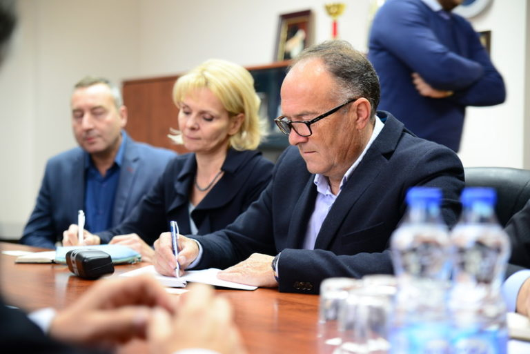 Министар просвете, науке и технолошког развоја у Пироту