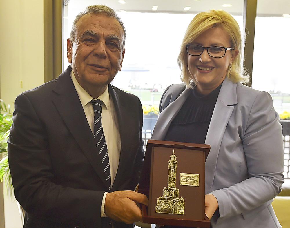 Привредна делегација Пирота у Измиру