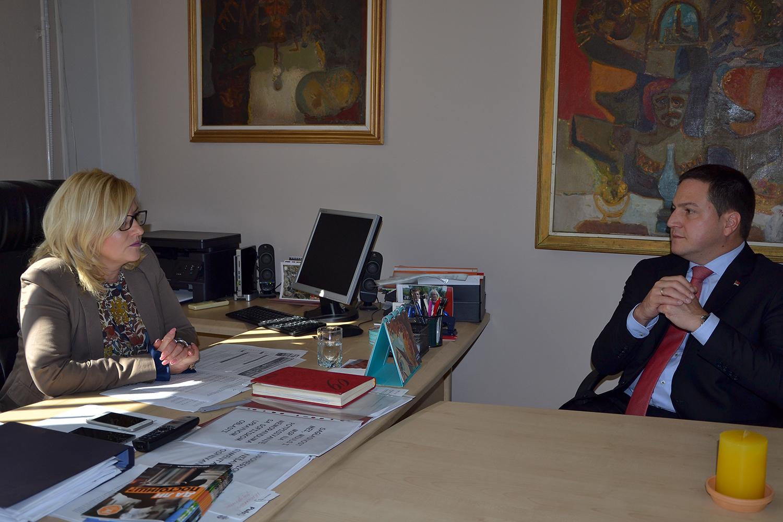 Ministar Ružić posetio Pirotski okrug