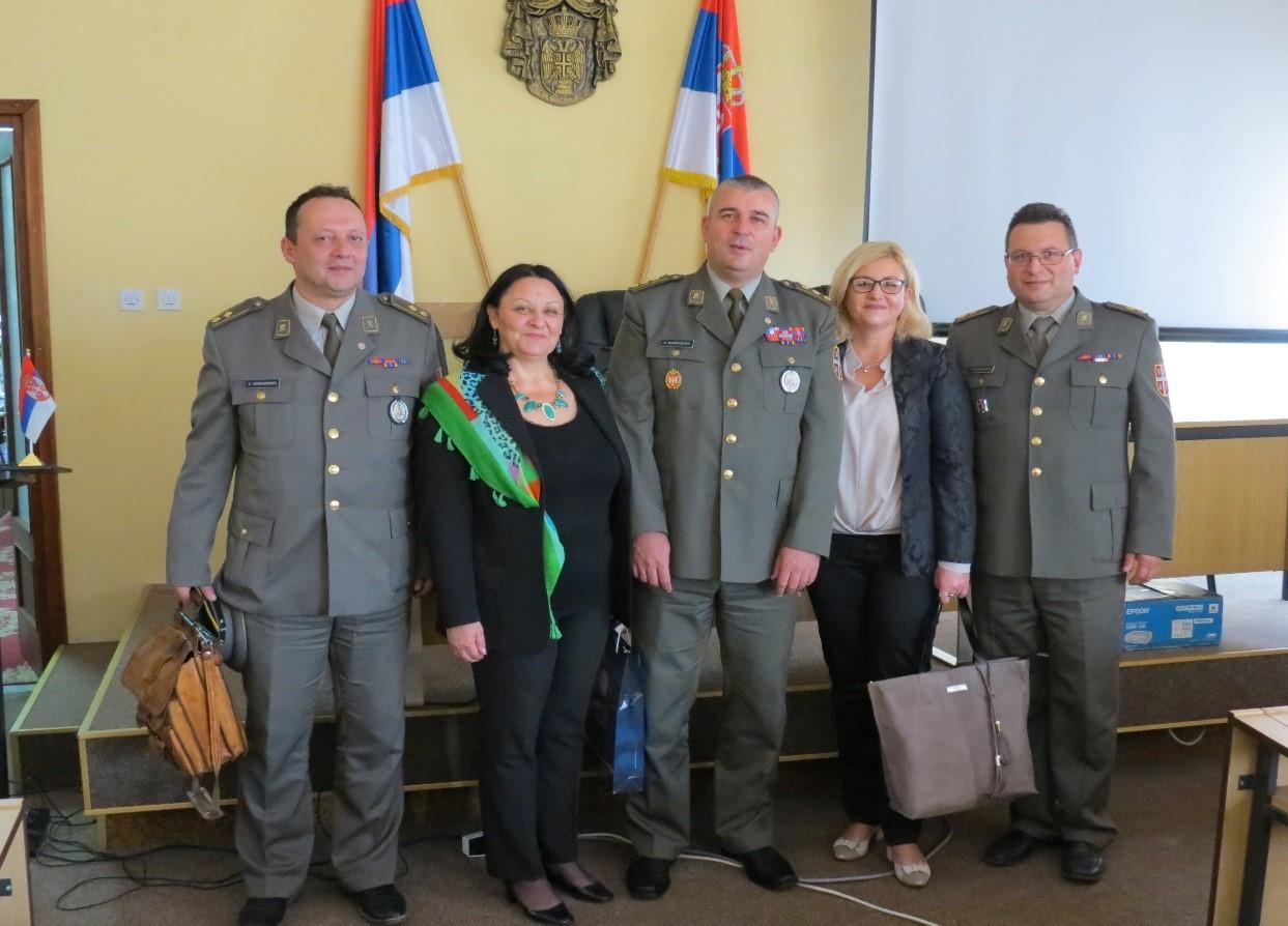 Značke i zahvalnice vojnicima koji su dobrovoljno služili vojni rok